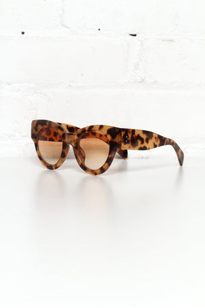AJ Morgan Big M Sunnies