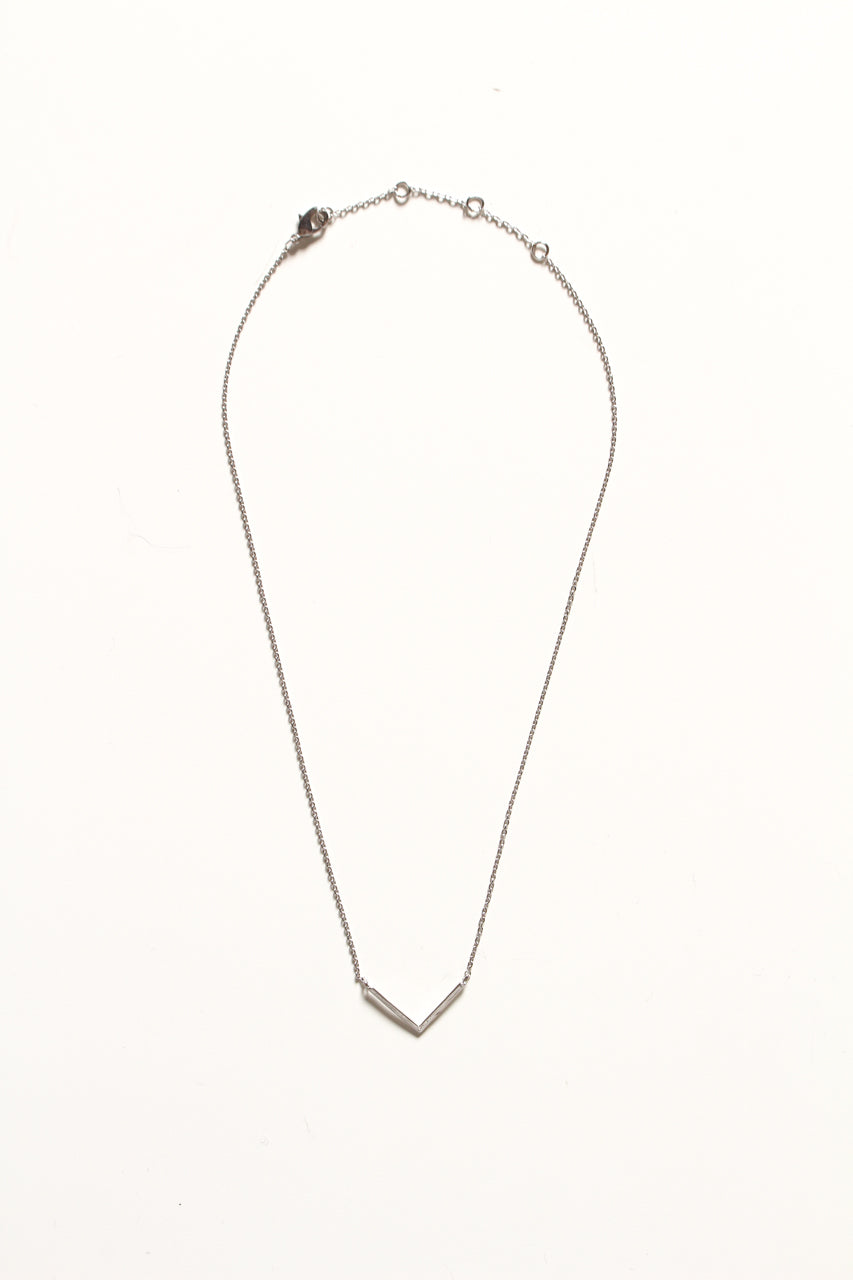 Dainty V Necklace - Silver