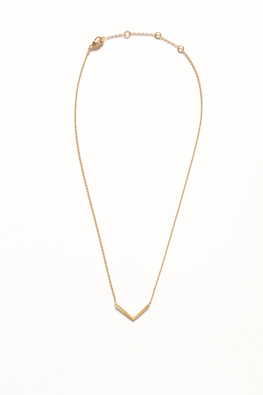 Dainty V Necklace - Gold