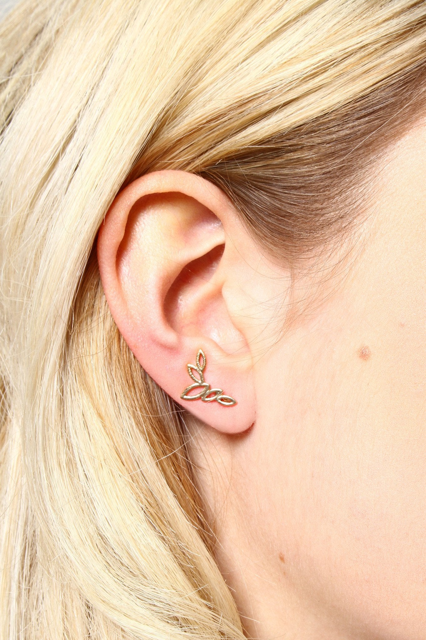 Cutout Leaf Ear Crawlers - Gold