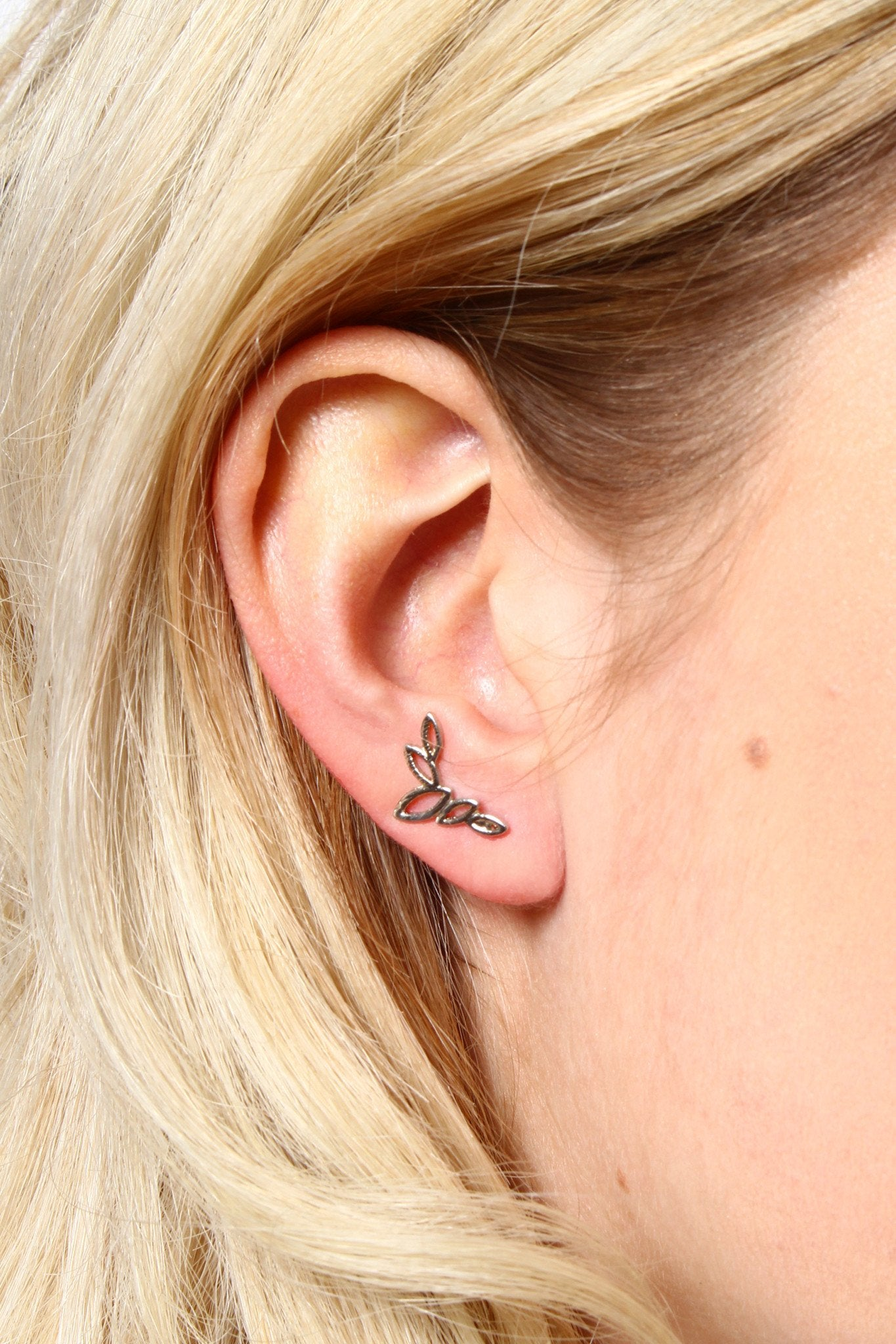 Cutout Leaf Ear Crawlers - Silver