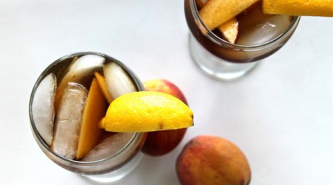 How to make Bourbon Peach Tea