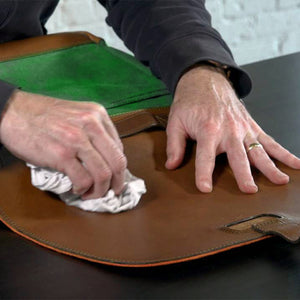How to clean your leather bag: Tips & Tricks to take care of it