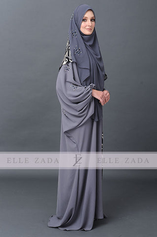 Sterling Claire Jubah