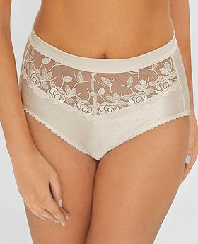 Plus size shape panties with exclusive embroidery