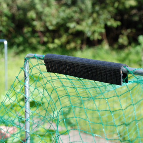 Vegetable frame & clip holding bird netting - Wondermesh