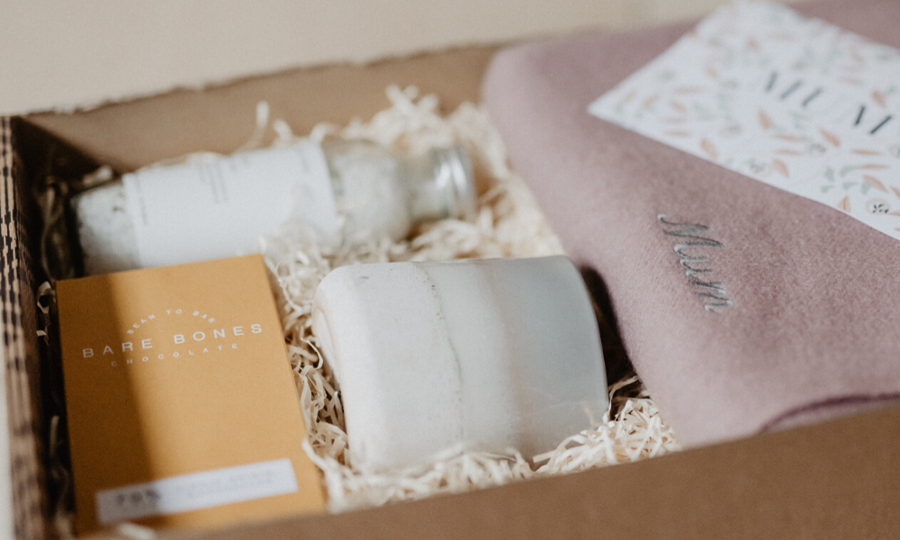 9 Thoughtful Gift Boxes for Mothers