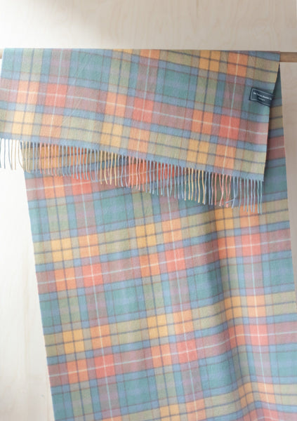 Cashmere Blanket Scarf in Buchanan Antique Tartan