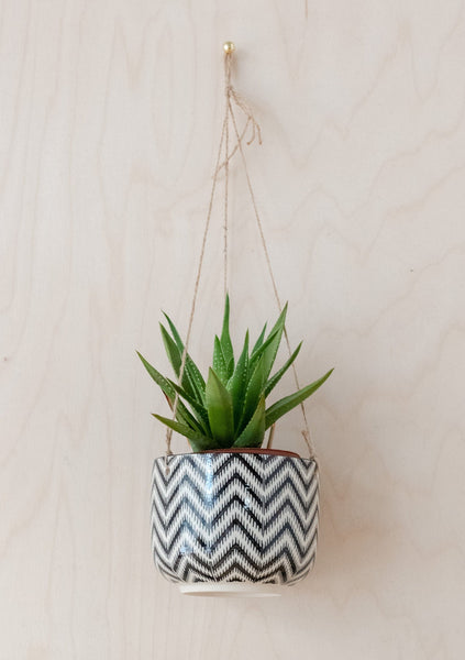 Black Geo Zinnia Hanging Planter