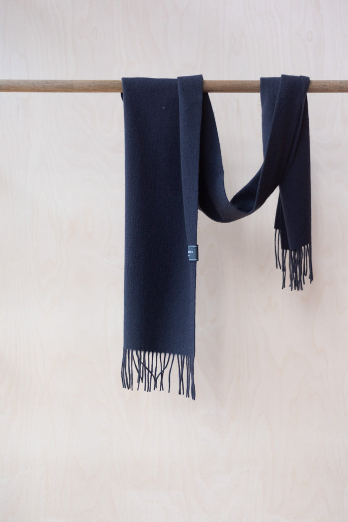 Lambswool Scarf in Black