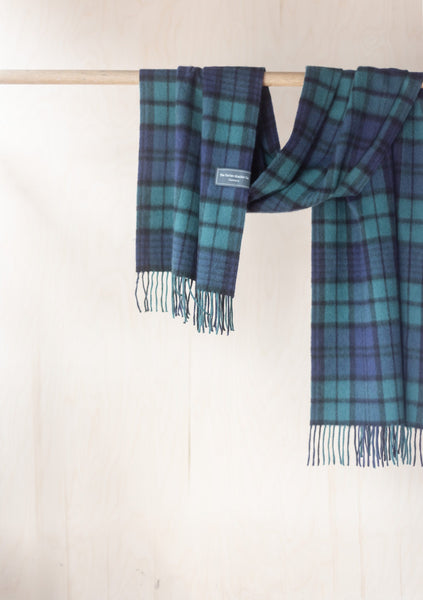 Cashmere Oversized Scarf in Black Watch Tartan