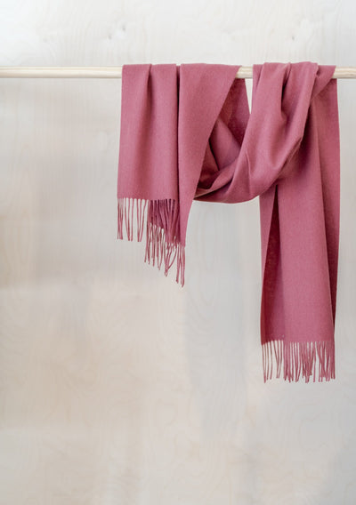 Lambswool Oversized Scarf in Rose