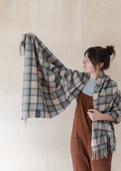 Cashmere Blanket Scarf in Rustic Tartan