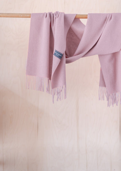 Lambswool Oversized Scarf in Dusky Pink