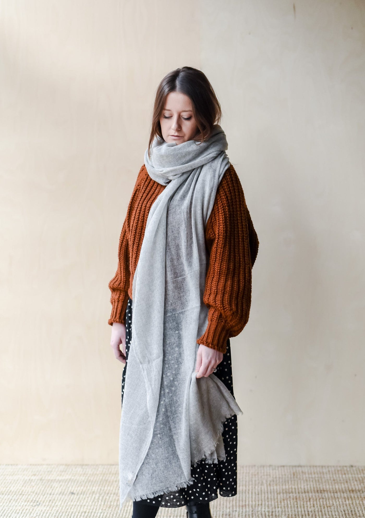 Featherlight Cashmere Scarf in Pale Grey