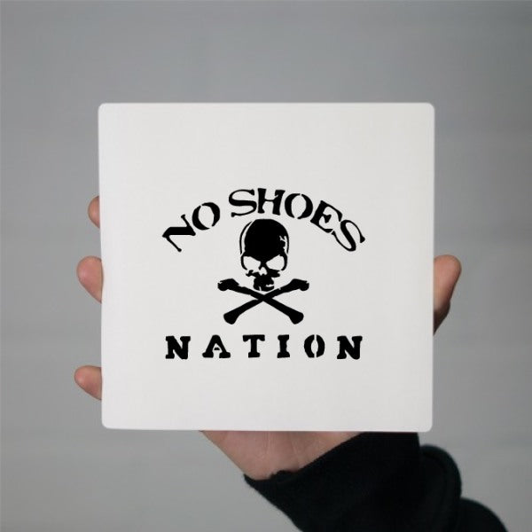 CT1086948 - No Shoes Nation