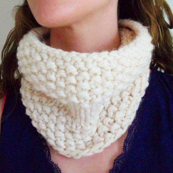 Pillow Puff White Knit Circle Scarf