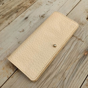 Slim Clutch - Beige - Leather Women's wallets - Durable Leather Classics - Bear Necessities