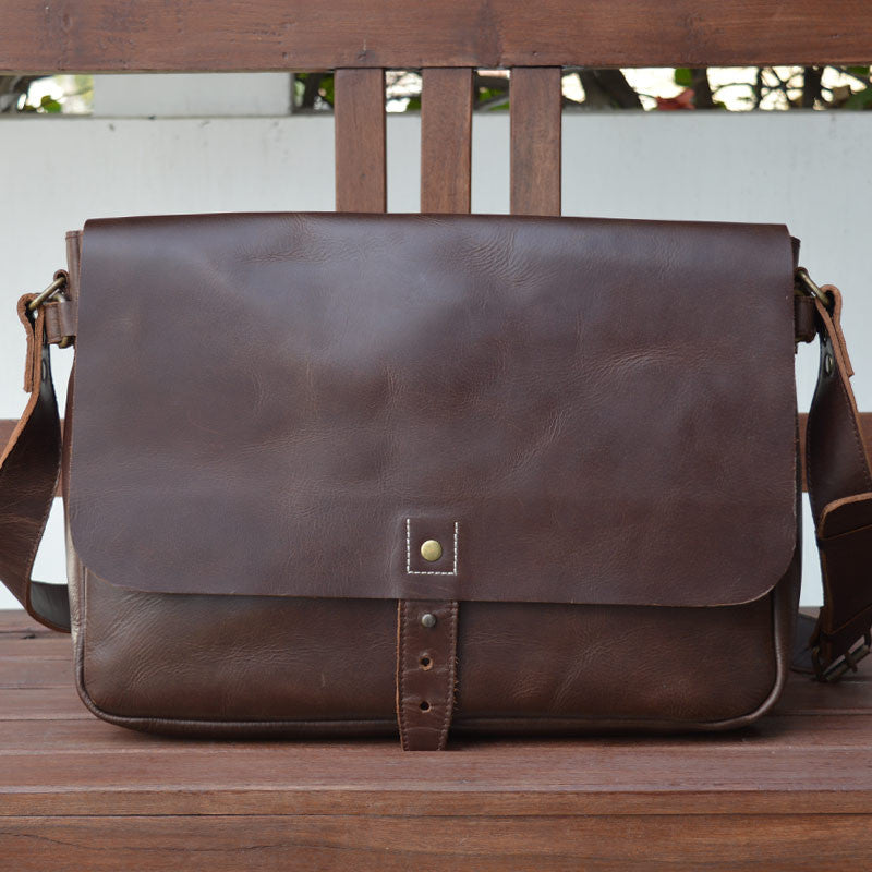 Classic Messenger - Chestnut - Leather Messengers and satchels - Durable Leather Classics - Bear Necessities