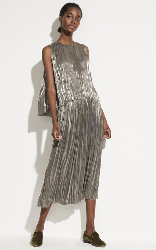 Iridescent Pleated Shell Vince
