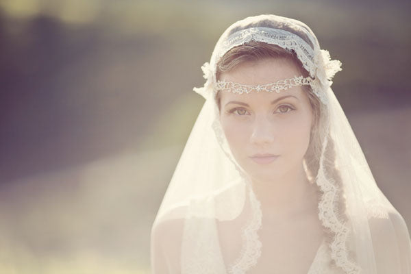 Florrie-headband-£65.00-Veil-not-inc