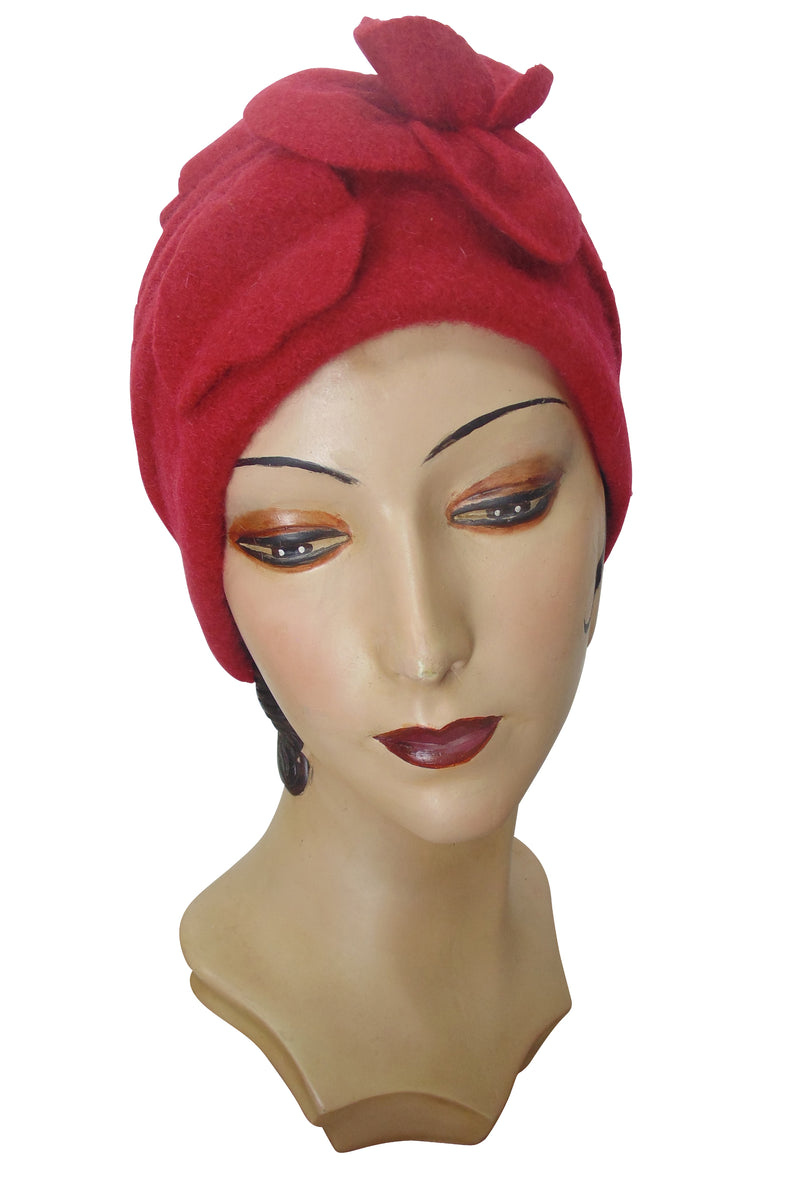 1920's Avant Garde Wool Cloche Hat - Scarlet Red