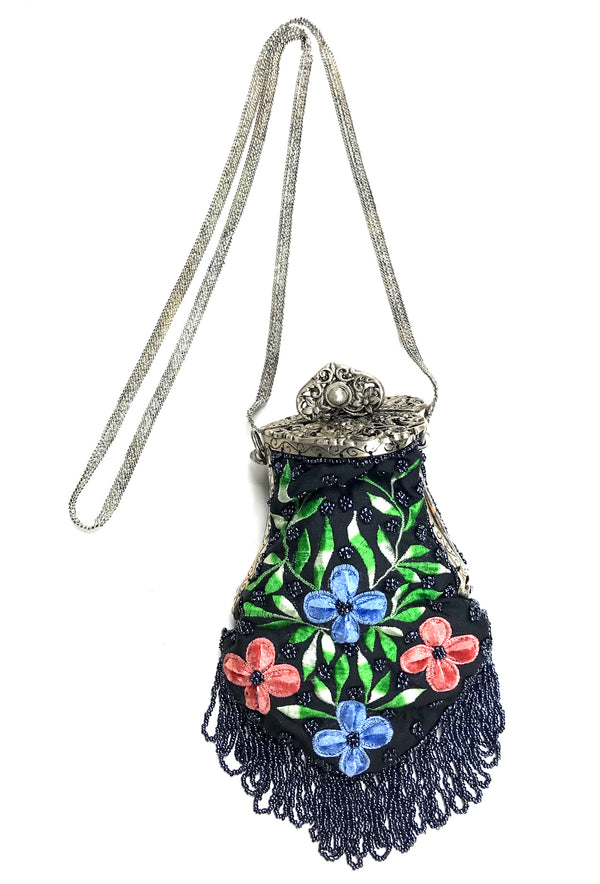 1920's Inspired Gatsby Embroidered Heart Clasp Evening Purse - Black