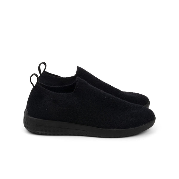 Adult Voyageur Warm Knit Triple Black Adult Voyageur Heyfolks