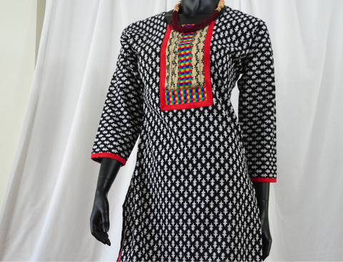 Black and White Yoga kurti or top. Soft Cotton long dress top or tunic. Summer boho casual blouse or top. ComfyCottons from Artikrti.