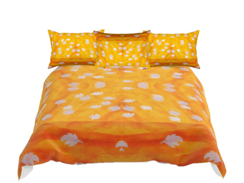 "Yellow Orange comforter set. Fall Colors Queen comforter. Matching pillow covers. ""Mango Sheen"". Artikrti."