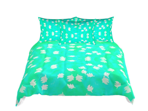 "Teal Green comforter set. Fall Colors Queen comforter. Matching pillow covers. ""Mango Sheen"". Artikrti."
