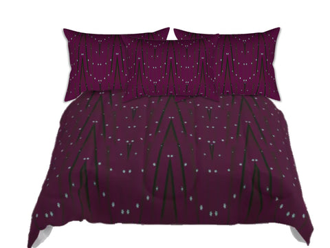 "Christmas comforter queen. Maroon bed in a bag. King comforter with matching pillow covers. ""Star Lights"". Artikrti."