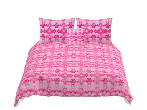 "Bedding set- Queen, King, Twin, Full size comforters for girls- rose pink. Matching pillow covers. ""Rose petals"". Artikrti."