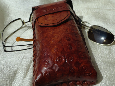 Leather case for eyewear. Hand embossed case for sunglasses/eyeglasses. Vegetable tanned leather case fro spectacles- unisex. From Artikrti