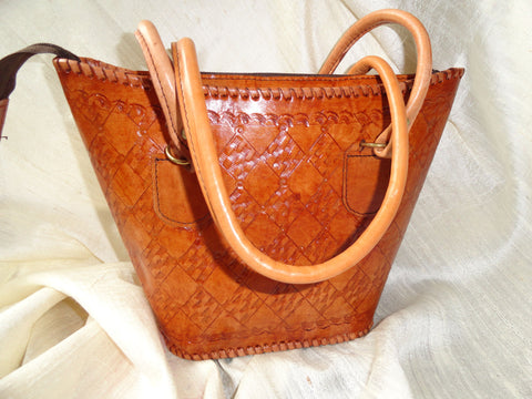 Handmade, hand embossed women's handbag. Indian Leather Handbag. Light tan handbag.Coach-like handbag. Indian leather purse. Artikrti.