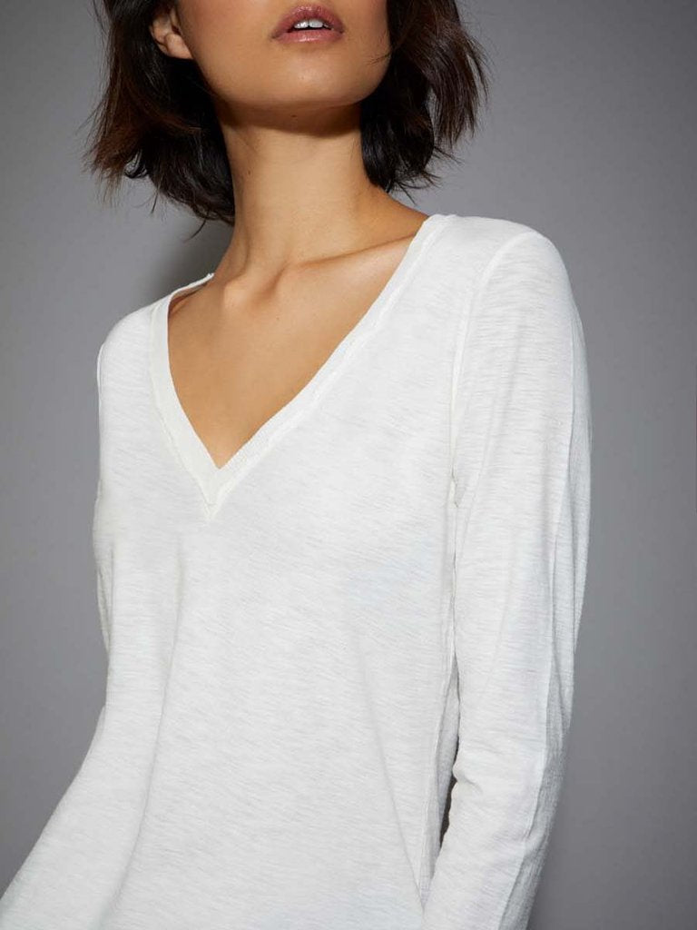 BLAIR LONG SLEEVE V-NECK TEE