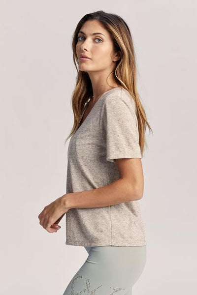 HOLLY V-NECK TEE