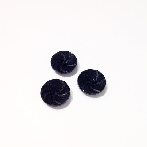 Plastic-Black-embossed-patterned-button