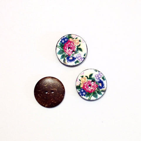 Flower-printed-coconut-shell-button