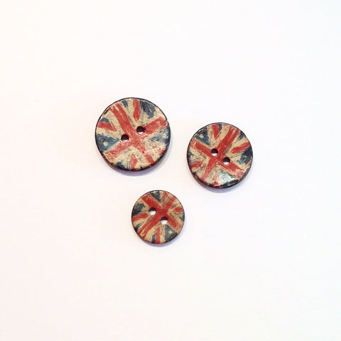 Union-Jack-coconut-shell-buttons