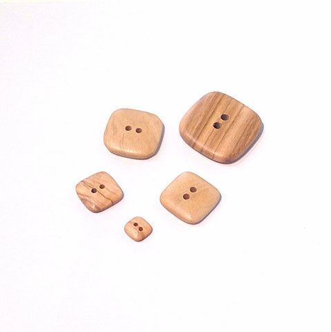 Square-wooden-buttons