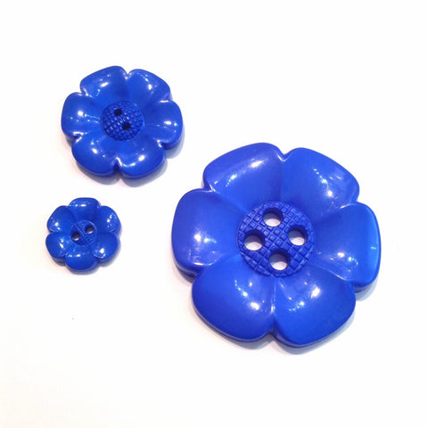 Blue-flower-plastic-button
