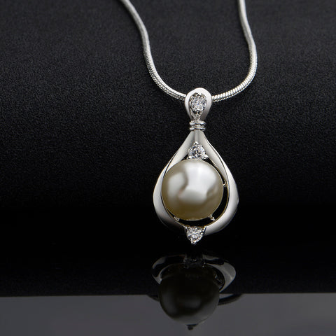 Mom Pearl Drop Necklace