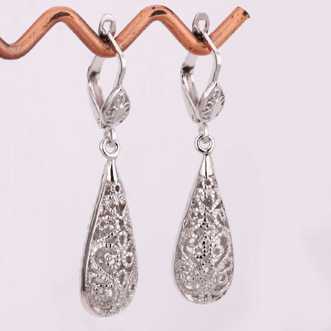 Eleganza White Gold Earrings