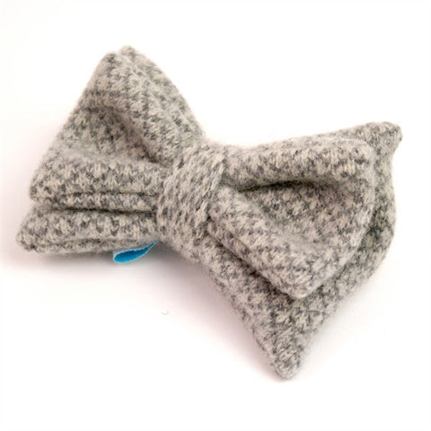 Grey Check Knitted Bow Brooch