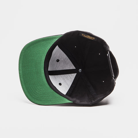 Yupoong The Classic Snapback Black