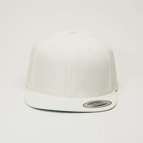 Yupoong The Classic Snapback Natural
