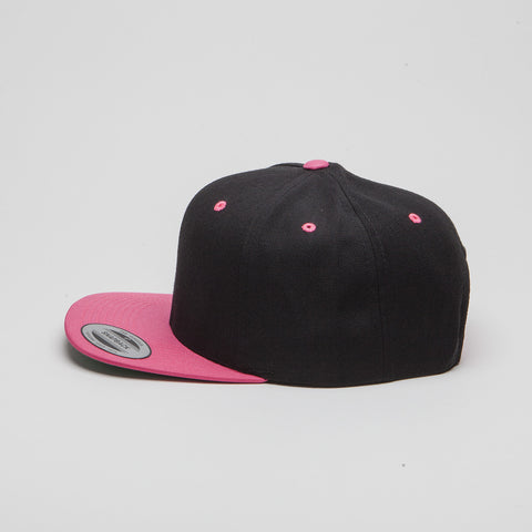 Yupoong The Classic Snapback Black/Neon Pink