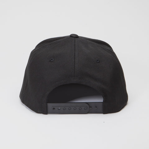 Yupoong The Classic  5 Panel Snapback Black