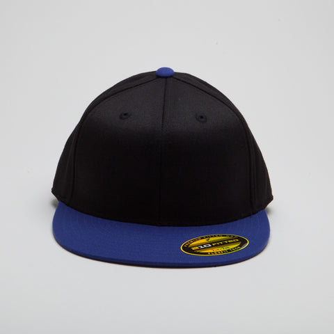 Yupoong Flexfit Fitted Black/Royal